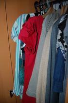 Женщины покупают и хранят одежду неподходящего размера