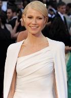 Назвали лучшее из платьев «Оскара-2012»