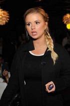 Семенович избавилась от имплантантов, чтобы стать матерью?