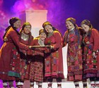 «Бурановских бабушек» встретили песнями и наградили