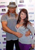 Королева и Тарзан получили компенсацию за публикацию их интимных фото