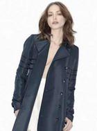 Кэти Холмс делает карьеру дизайнера одежды