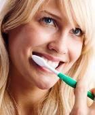 После еды не нужно чистить зубы!