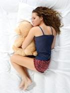 Какая поза сна вредит здоровью?