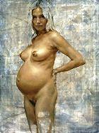 Обнажённая Сиенна Миллер в ожидании малыша