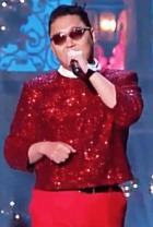 Psy спел на Рождество для президента США