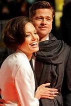 Пока Питт и Джоли женились, за детьми смотрели 12 нянь
