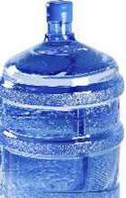 Бутилированная вода оказалась опаснее водопроводной