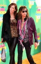Вокалист Aerosmith решил не жениться