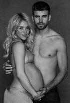 Беременная Шакира разделась