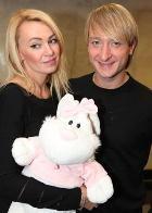 Рудковская и Плющенко не соглашаются показывать ребёнка ни за какие деньги