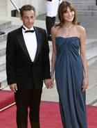 Николя Саркози и Карла Бруни покидают Францию