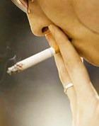Беззубый рот – итог курения для женщин