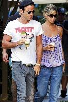 Дженнифер Энистон и Джастин Теру поженились?