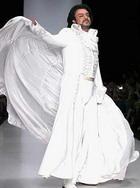 Филипп Киркоров вышел на подиум в свадебном «платье»