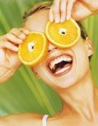 Что больше любит наша кожа - фрукты и зелень или готовый крем?