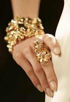 Почему золотые украшения вызывают депрессию