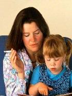 Курение при детях в Латвии будут карать законом