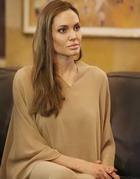 Анджелина Джоли удалила обе груди