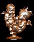 Дети Кейт Миддлтон и Ким Кардашьян представлены в скульптуре
