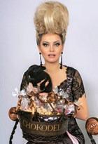 Лена Ленина: блондинка в шоколадном платье