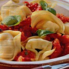 Тортеллини под томатным соусом