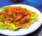 Зеленый салат с орехами и апельсином