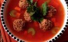 Мясные фрикадельки в супе
