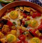 Тушеные овощи с яйцом