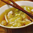 Китайский суп из капусты с курицей