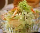 Капустный салат с яблоком