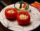 Помидоры, фаршированные салатом с яблоком