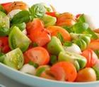 Салат из зеленых и розовых томатов «Украинский»