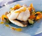 Жареная рыба с розмарином, чесноком и шалфеем