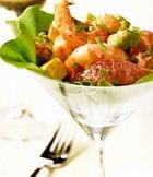 Салат с тигровыми креветками и авокадо