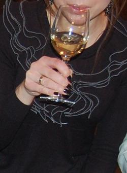 Почему женщинам нельзя пить