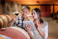 Роспотребнадзор предлагает повысить цены на алкоголь и табак