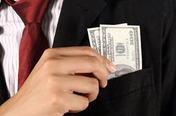Что предпочесть – карьеру или богатого супруга?