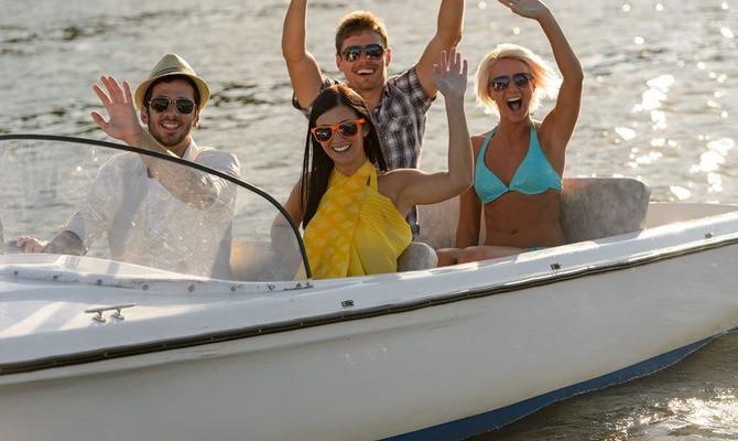 В отпуск с друзьями – за и против
