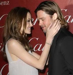 Джоли начнет управлять самолетом, чтобы чаще видеть мужа