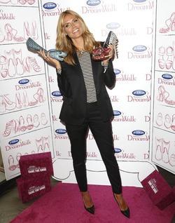 «Акулы» на ногах: Хайди Клум представила новые туфли от Dr. Scholl