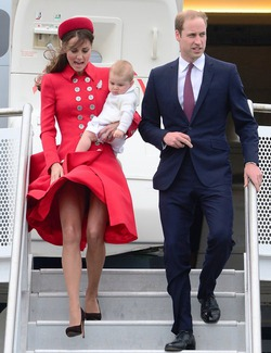 Новозеландский ветер поиграл с подолом герцогини Кембриджской