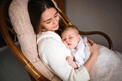 Из-за чего младенцы плачут по ночам?