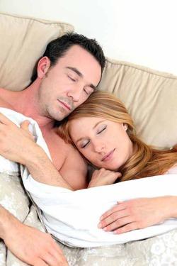 Секрет семейного счастья  - сон в обнимку