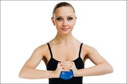 Упражнения для грудных мышц женщин