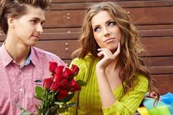 Пик предложений о замужестве приходится на август