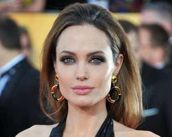 Японцы назвали Анджелину Джоли демоном