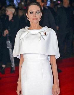 Врачи подозревают онкологию у Анджелины Джоли