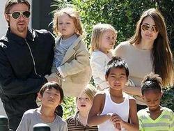 Джоли устала и больше не хочет детей