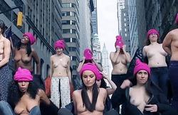 В Нью-Йорке прошла акция «Свобода соскам»